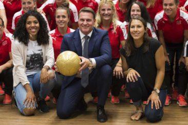 Schweizer Damen-Nationalteam mit Uhren von Carl F. Bucherer am Start
