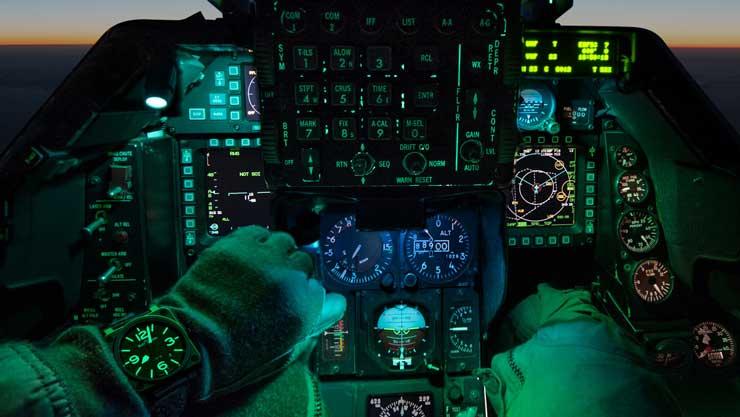 BR 03-92 Nightlum im Cockpit