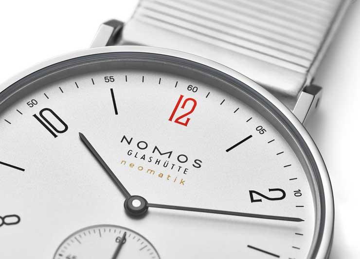 Die neue limitierte Sonderedition der Tangente neomatik von Nomos Glashütte für Ärzte ohne Grenzen.