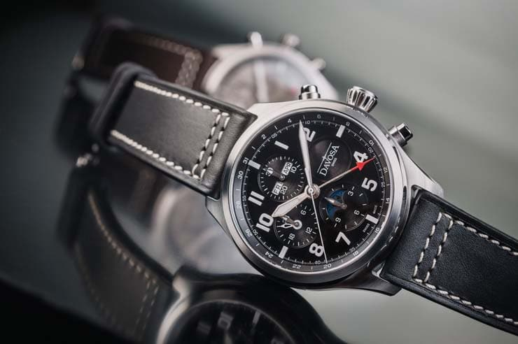 Newton Pilot Moonphase Chronograph