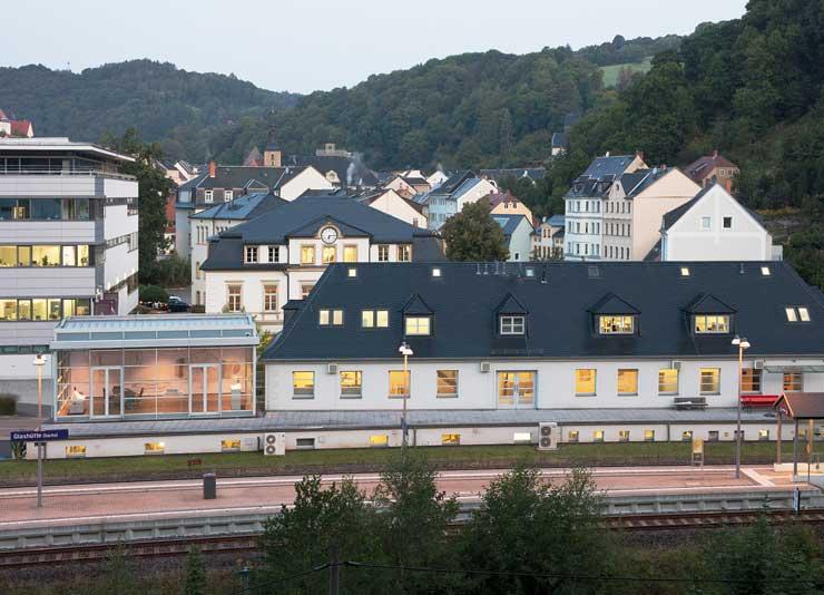 nomos headquarter bahnhof glashuette