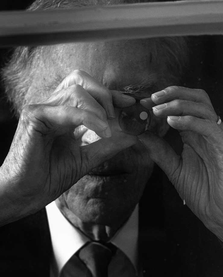 Dr. Rolf Portmann, der Mann, der Oris rettete